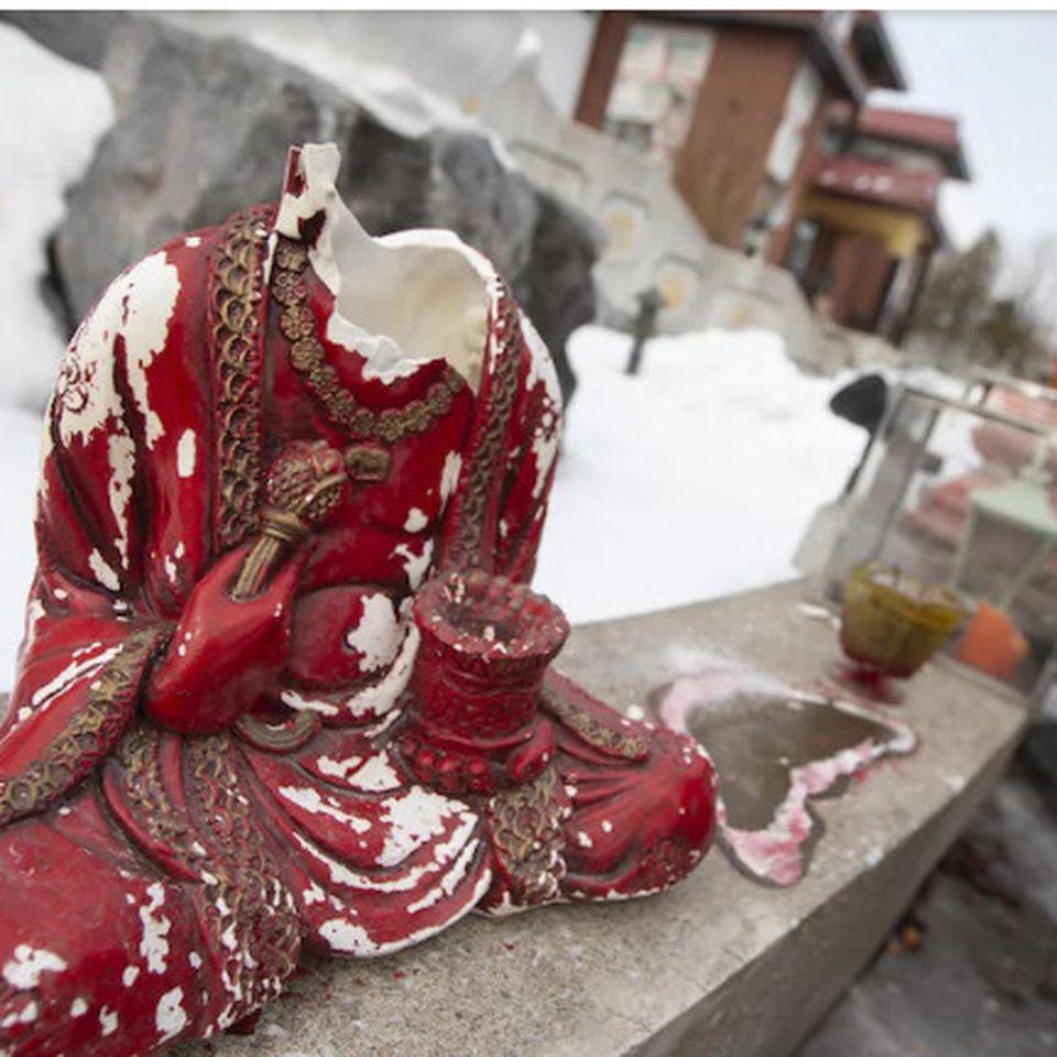 Image result for chùa huyền không quan âm phá hoại