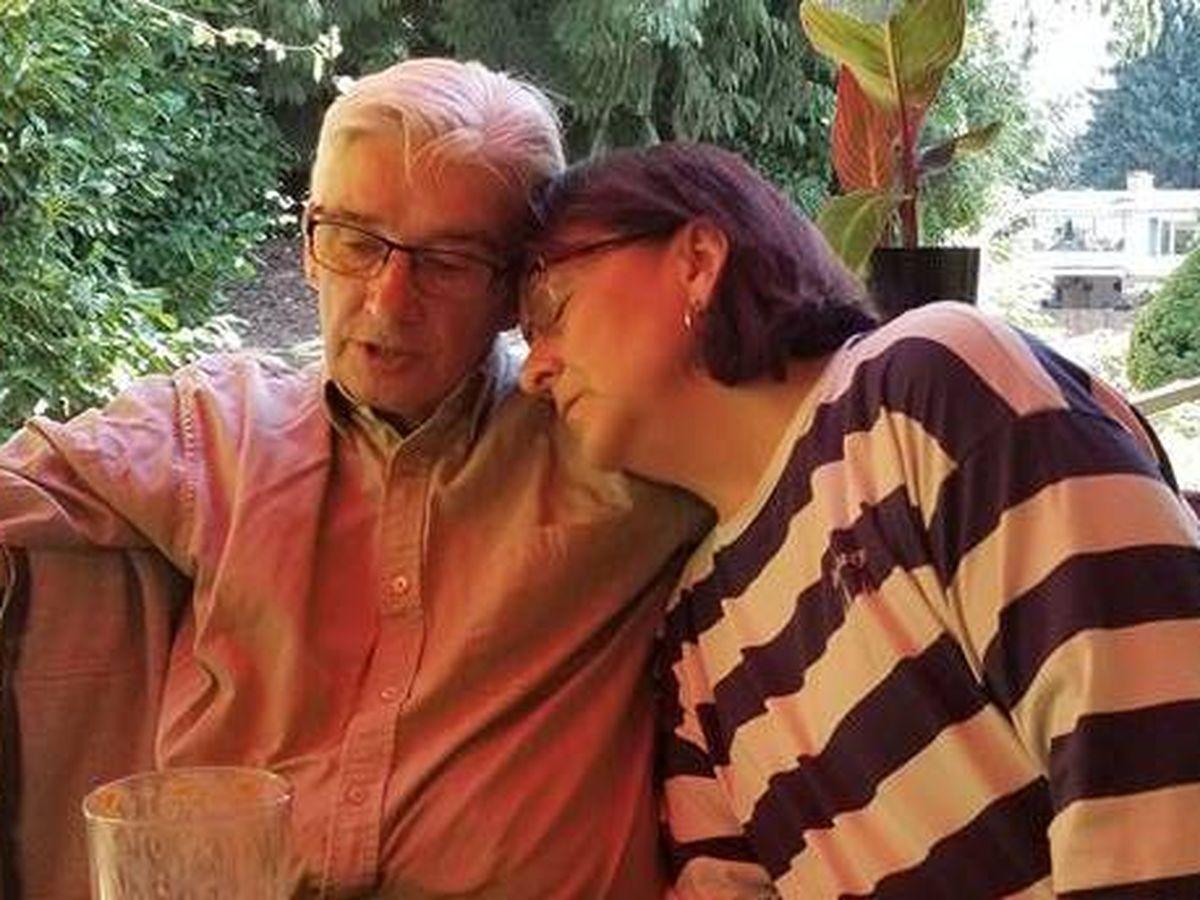 abbotsford senior dating randki klasyczne zapięcia broszki